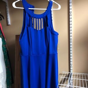 Dresses & Skirts - Stretchy trixxi dress